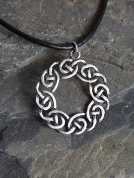 """Keltisches Amulett """"Kranz"""" - versilbert"""