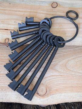 Schlüsselbund mit 10 Schlüsseln