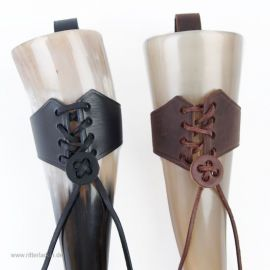 Trinkhornhalter zum Schnüren braun|mittel