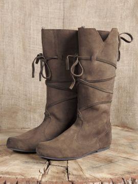 Hohe Stiefel aus Wildleder braun