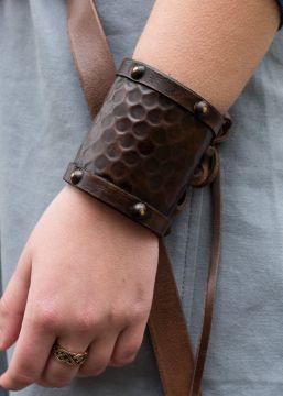Schlichter Armschutz aus Leder klein
