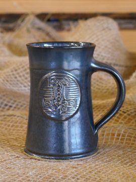 Bierkrug mit Thorshammer blau-grau