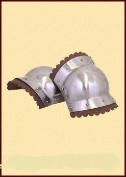 Kniebuckel aus poliertem Stahl