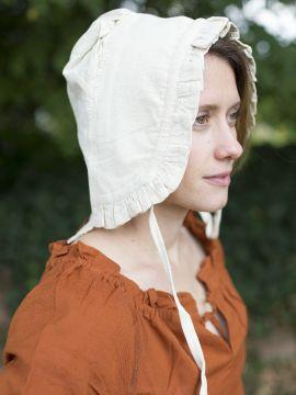 Damenhaube mit Rüsche natur