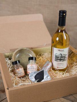 Geschenkbox mit Met und Räucherwerk