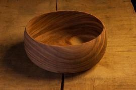 Suppenschale aus Holz