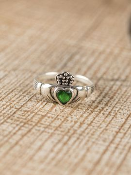 "Solvar Ring ""Claddagh"" mit grünem Stein"