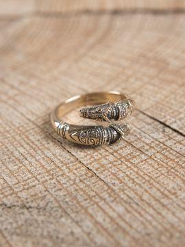 Drachenkopfring aus Bronze