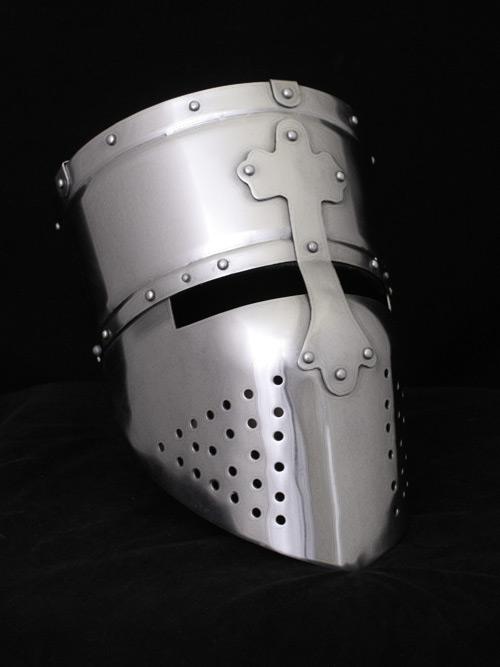 Helm der Kreuzfahrer