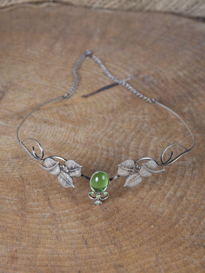 Kronen-Tiara mit Blättern und hellgrünem Schmuckstein