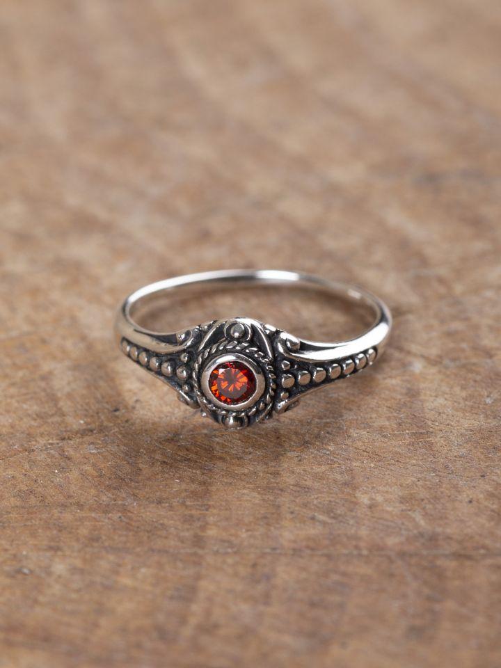 Wikinger-Silberring mit rotem Zirkonia