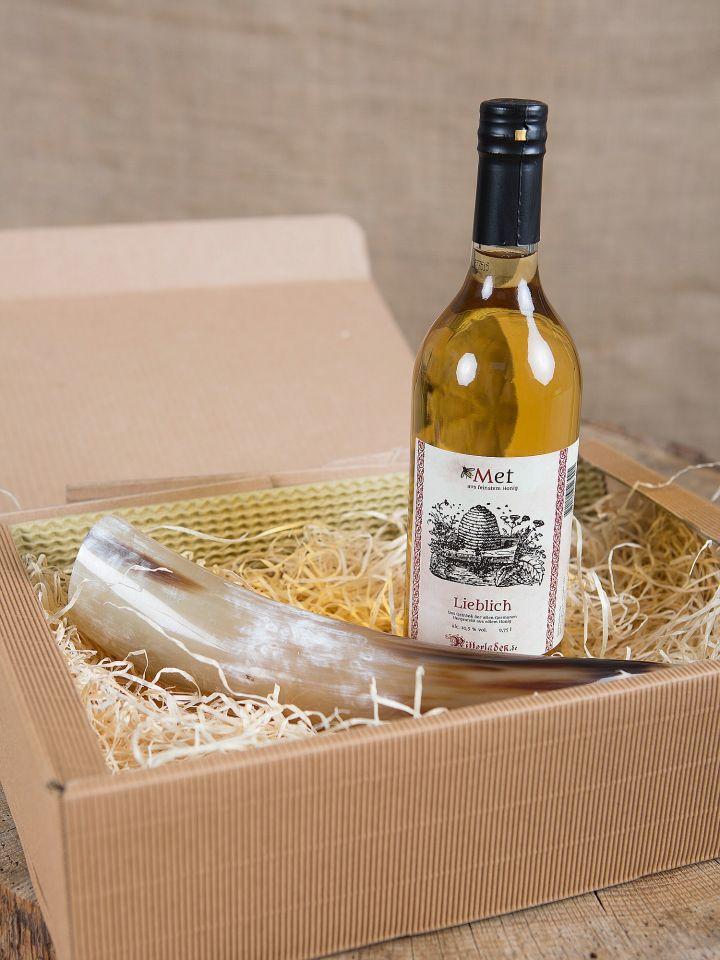 Geschenkbox mit Met und Trinkhorn