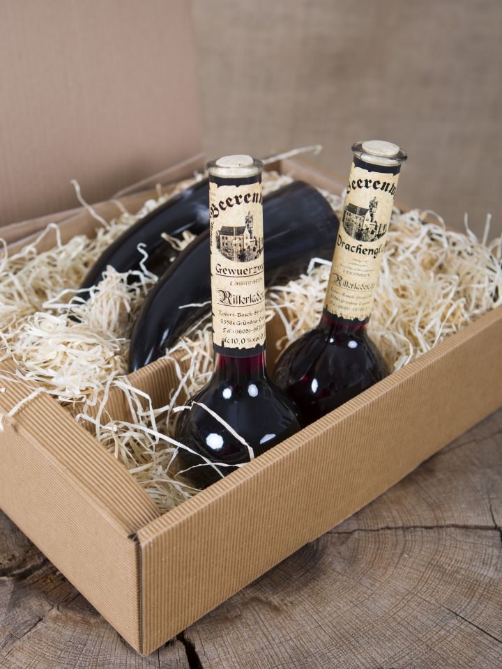 Geschenkbox mit Gewürzwein, Drachenglut und zwei Trinkhörnern