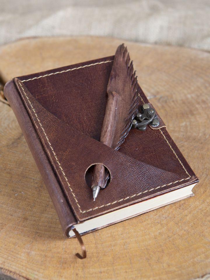 Lederbuch mit Federhalter braun, mittel