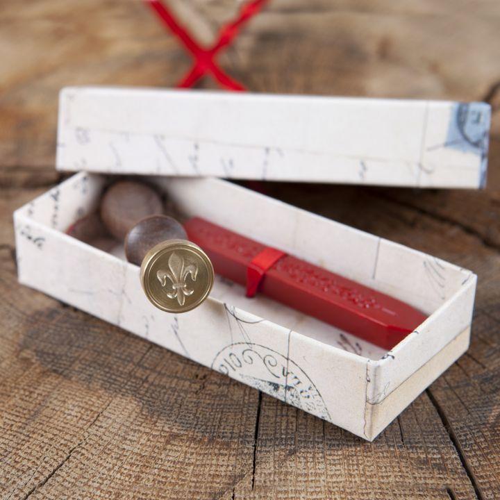 Siegel mit Siegellack - Geschenkbox Blatt mit Feder