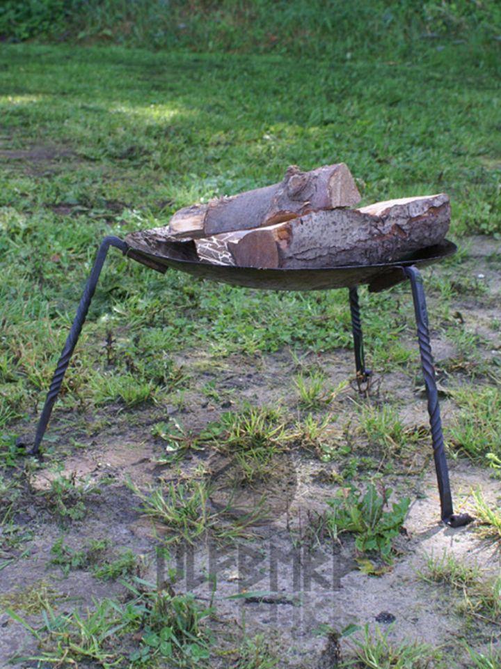 Feuerschale mit abnehmbaren Standbeinen