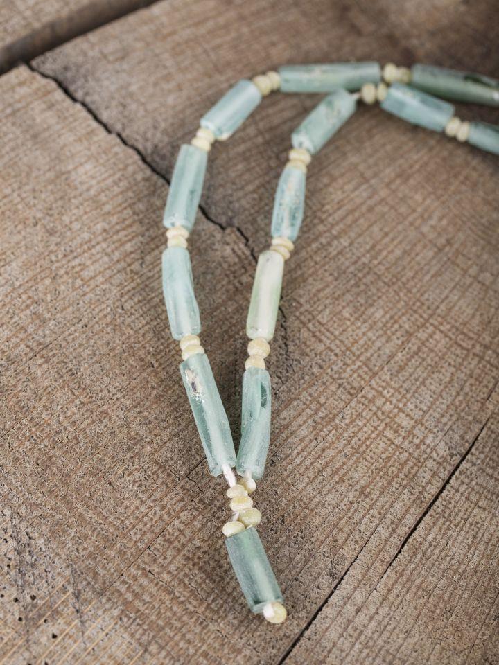 Glasperlenkette mit blauen Perlen
