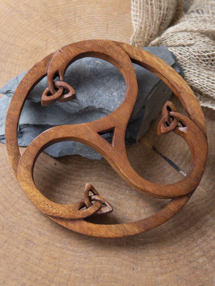 Holz-Wandschmuck Triskele mit Keltenknoten
