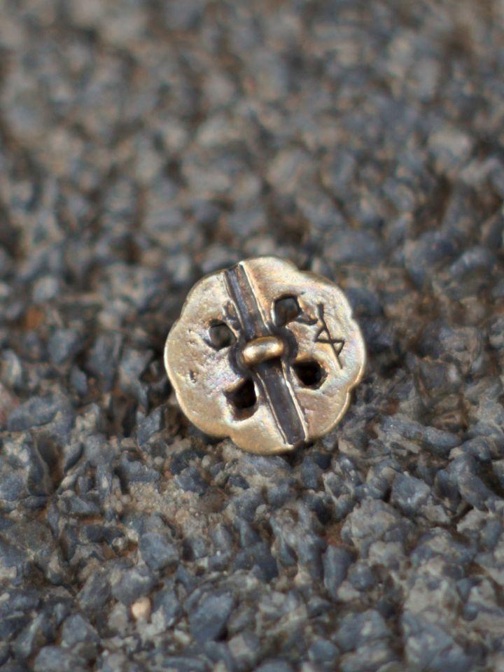 Knopf mit Keltischem Knoten messing 2
