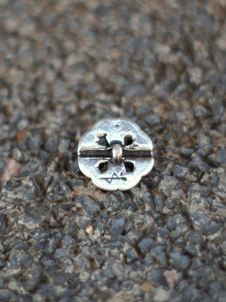 Knopf mit Keltischem Knoten silber 2