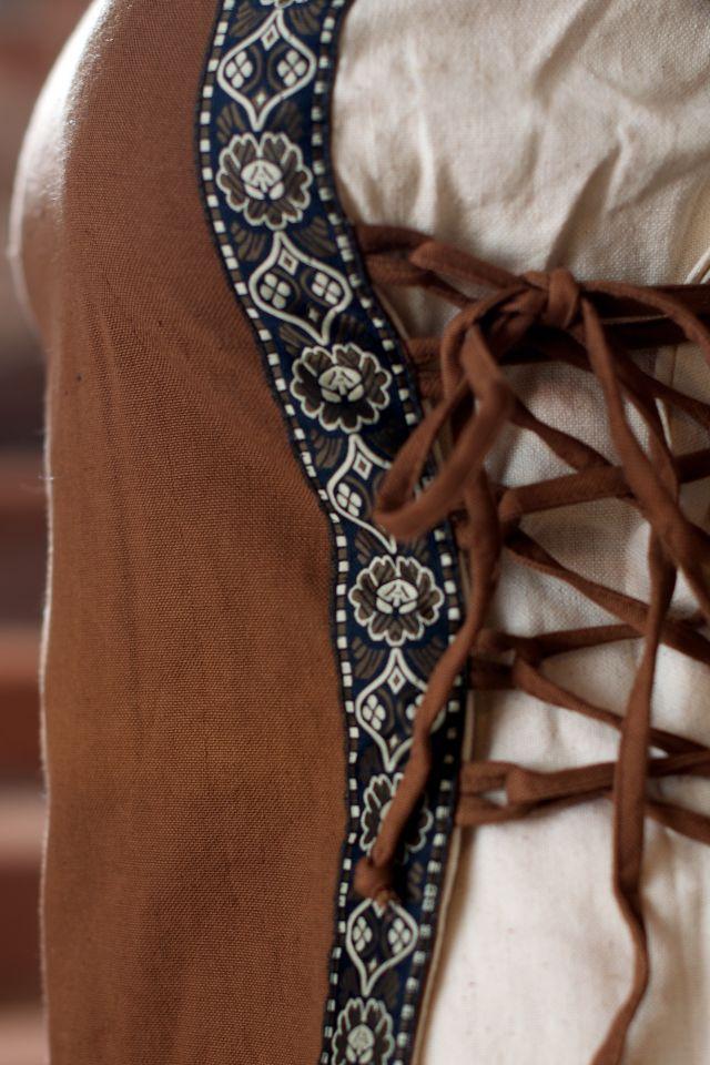 Kleid mit Borte braun-natur 2