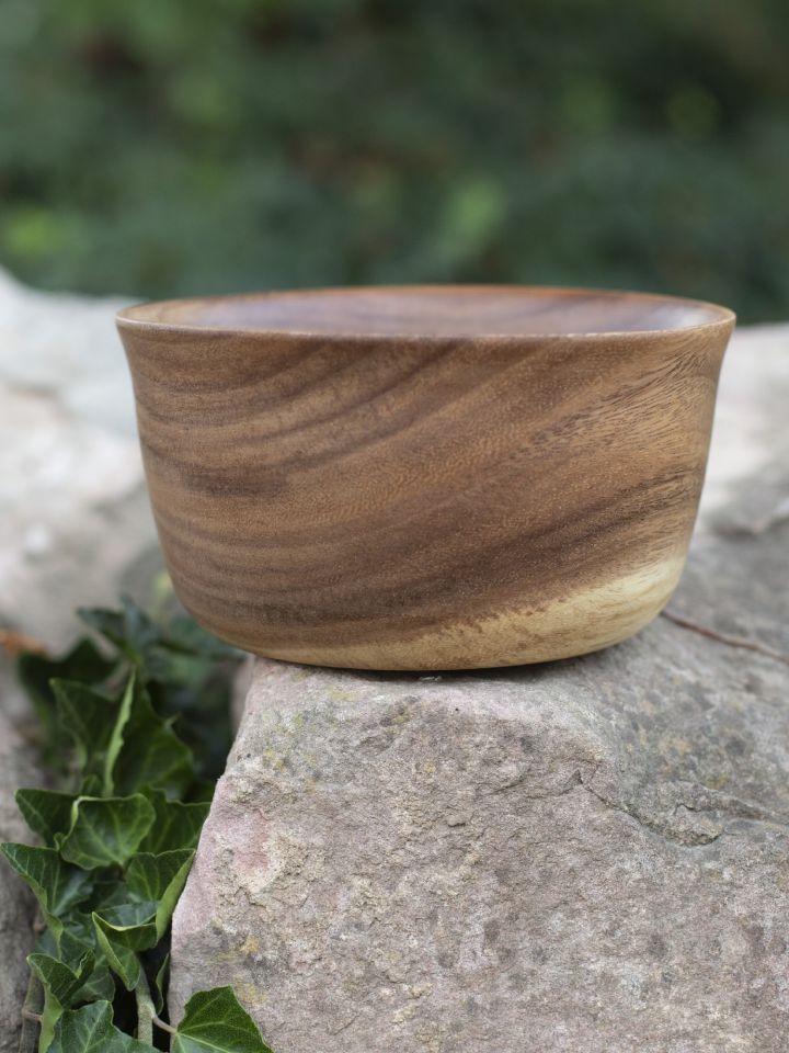 Holzschüssel aus Akazienholz 2