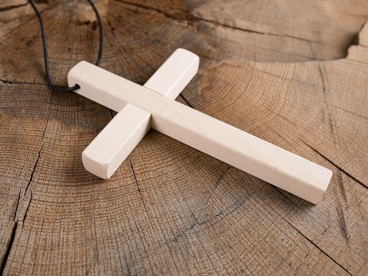 Kreuz aus Holz 2