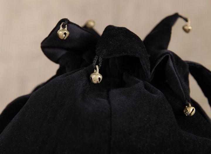 Umhängetasche (aus Samtstoff) schwarz 2