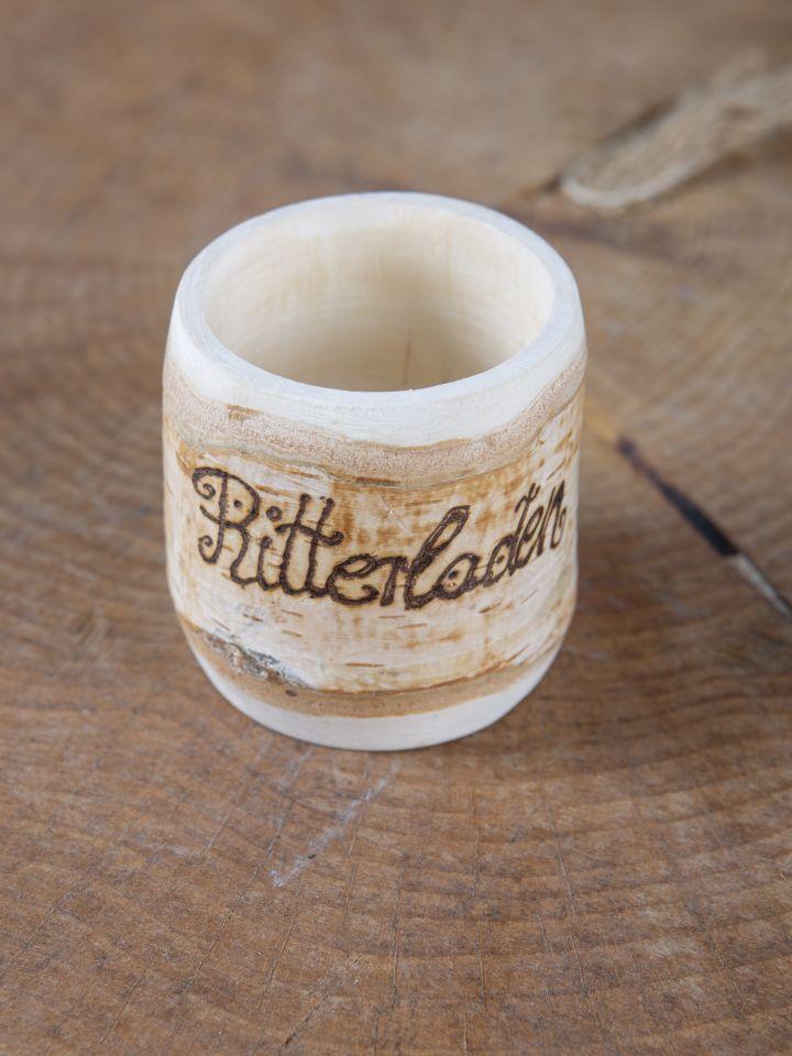 kleiner Becher aus Birkenholz mit Gravur 2