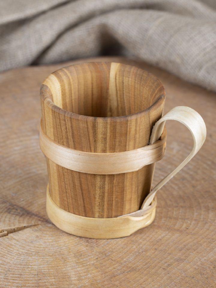 Bierkrug aus Holz 2