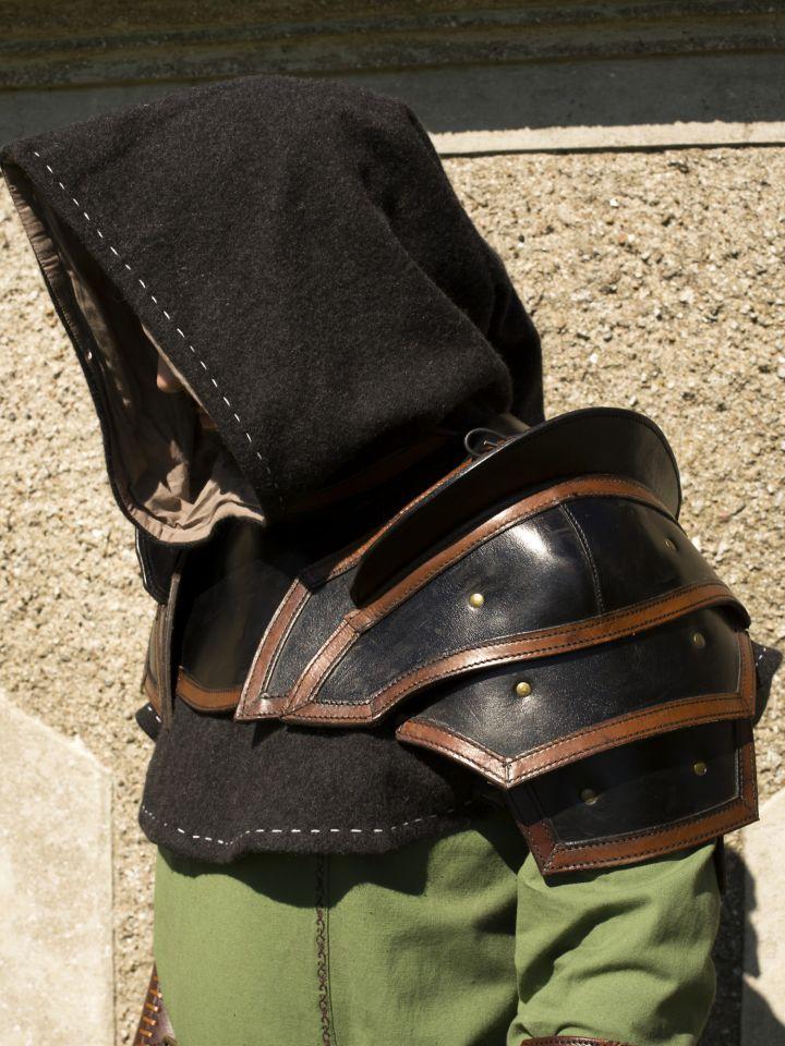 Lederschultern mit Kragen in schwarz/braun 2