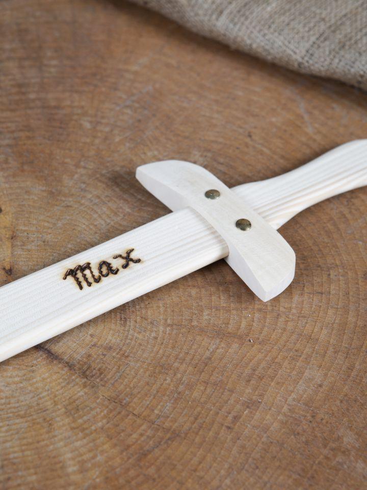 Holzschwert mit individueller Gravur 2