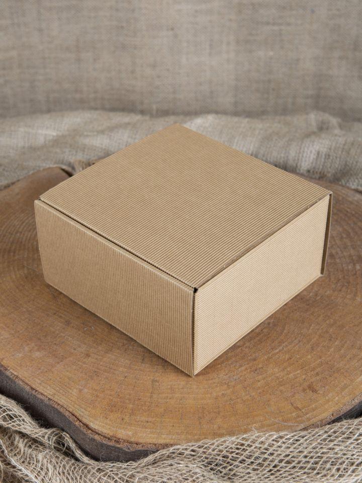 Geschenkbox mit Holzwolle klein 2