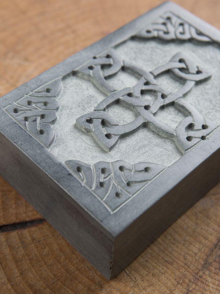 Steintruhe Keltisches Kreuz 2