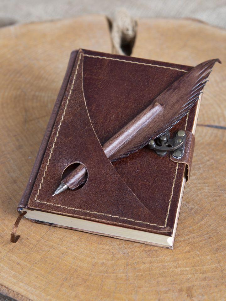 Lederbuch mit Federhalter braun, mittel 2