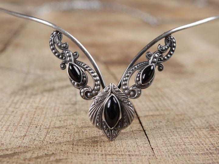 Tiara - Diadem mit schwarzen Steinen 2
