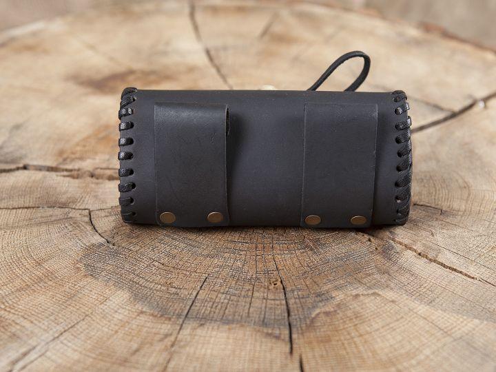 Große Gürteltasche mit Holzverschluss schwarz 2