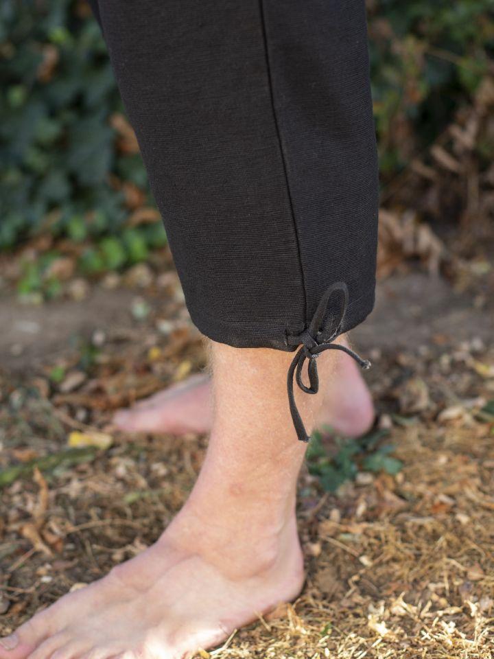 Einfache Kniebundhose schwarz 3