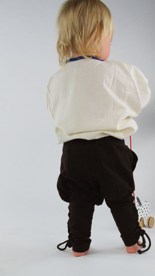 Kinderhose mit Beinschnürung braun 3