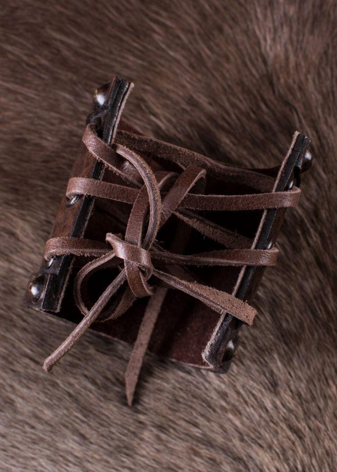Armschützer aus Leder mit Triskel 3