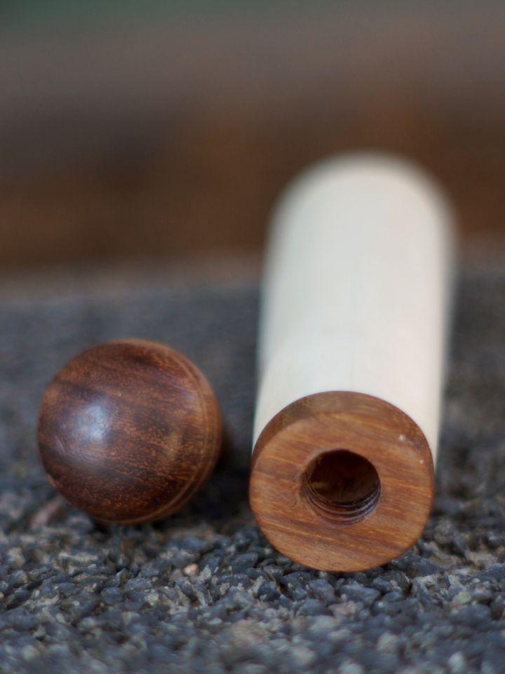 Nadeldose mit Holzverschluß 3