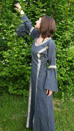 Kleid mit Borte taubenblau 3