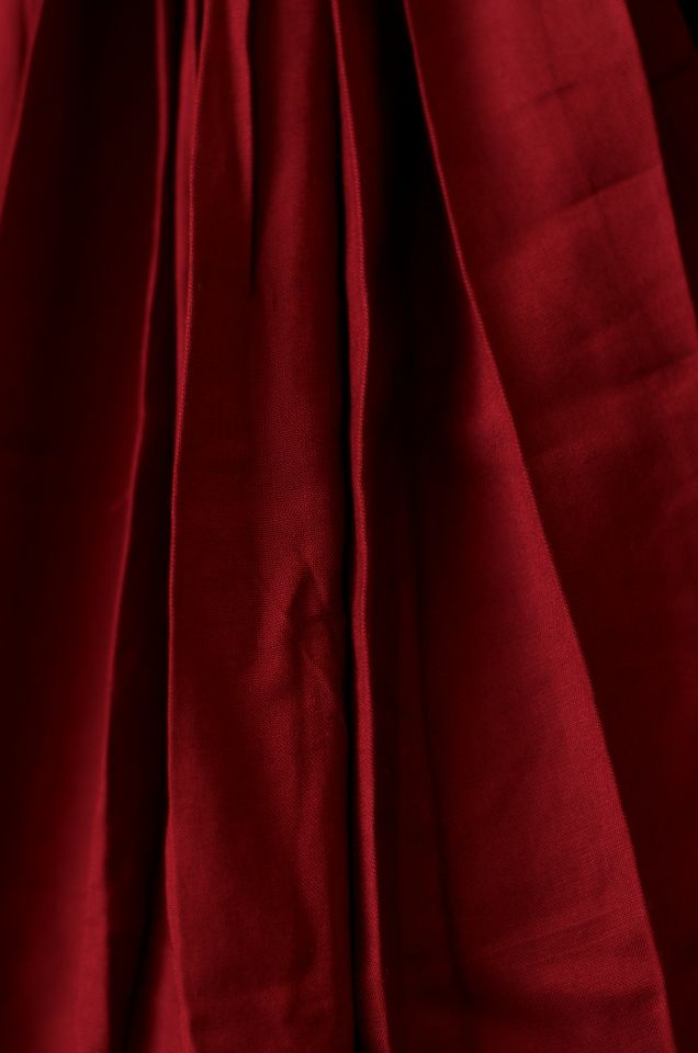 Mittelalterkleid aus Baumwolle schwarz-rot 3