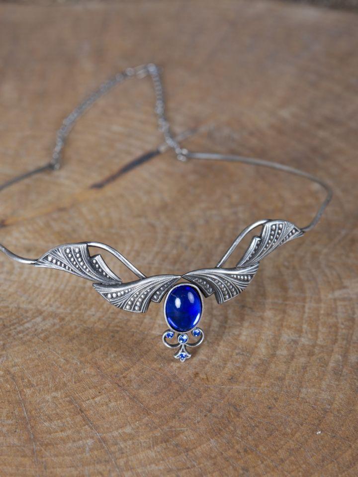 Edle Tiara mit Krönchen und blauem Stein 3