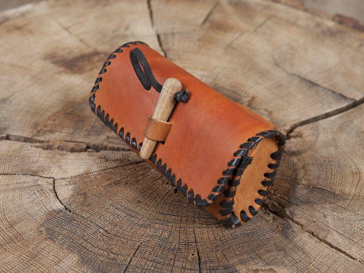 Große Gürteltasche mit Holzverschluss braun 3