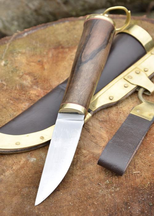 Wikingermesser mit Walnussgriff und Lederscheide 3
