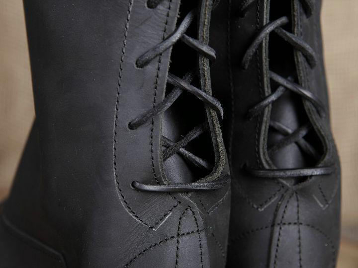 Hohe Lederstiefel aus Nubukleder schwarz 4