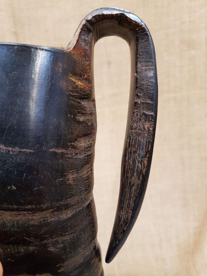 Henkelbecher aus Horn 12,5 cm 4