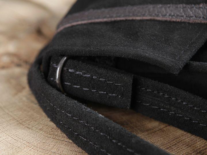Schwarze Wildledertasche zum Umhängen 4