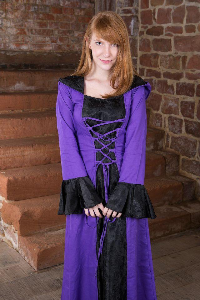 Mittelalterkleid Clara, schwarz-lila 4